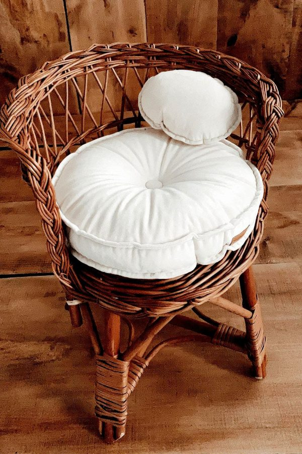 Circle Mattress with pillow Nelly Props
